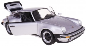 1974 PORSCHE 911 TURBO 3.0 MODEL WELLY 1:24 SREBRN