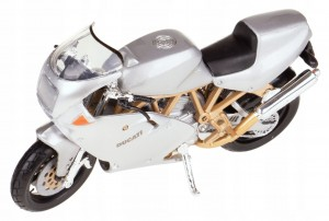 DUCATI SUPERSPORT 900FE METAL MODEL BBURAGO 1:18